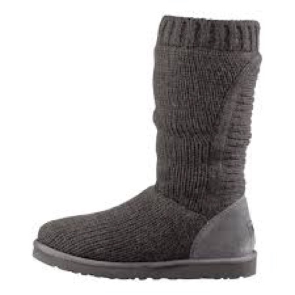 2868bc02a4b UGG Capra Ribbed Knit Shearling Lined boot
